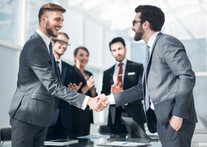 pros of business partnership